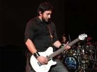 fotki-Ernie-Ball-Aaron-Fink-BreakingBenjamin-home-photos-Skin-2005