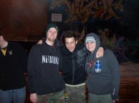 fotki-guitar-Aaron-Fink-BreakingBenjamin-with-fans-Topless-2005