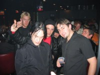 photoset-randall-Aaron-Fink-Breaking-Benjamin-with-fans-Crawl-2003