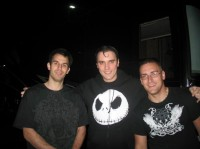 fotki-leader-Ben-Burnley-BreakingBenjamin-with-fans-Rain-2006