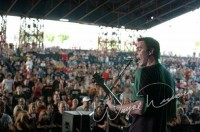 photo-leader-Benjamin-Burnley-BreakingBenjamin-home-foto-Medicate-2009
