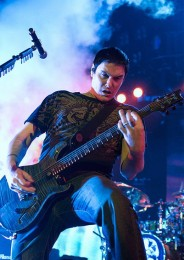 photo-vocal-Ben-Burnley-BreakingBenjamin-lichnie-foto-Forget-It-2003