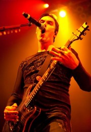 photoset-vocal-Ben-Burnley-BreakingBenjamin-chastnie-foto-Intro-2011