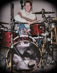 photo-ex-drummer-Jeremy-Hummel-BreakingBenjamin-home-photos-You-2004