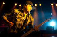 fotografii-bass-Mark-Klepaski-BreakingBenjamin-home-photos-Crawl-2002