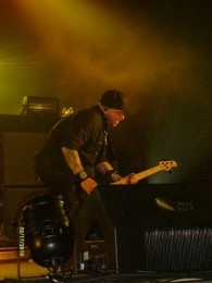 photos-bass-Mark-Klepaski-BreakingBenjamin-private-foto-No-Games-2010